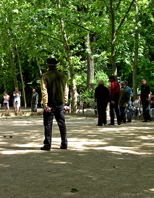pétanque in the jardin du luxemburg